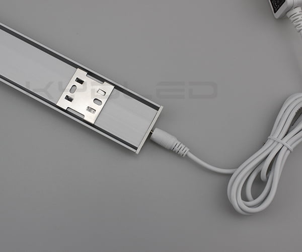 led-light-bar-under-cabinet-03