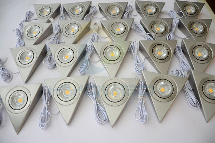 triangle-under-cabinet-lights-mass-production