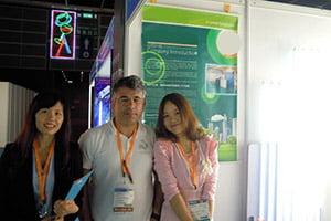 KYDLED met customer in LED lighting fair